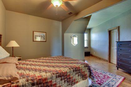 Venado-Springs-Guest-Retreat-Event-Hunting-Lodge-Texas-063