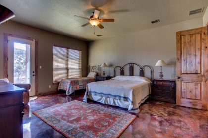 Venado-Springs-Guest-Retreat-Event-Hunting-Lodge-Texas-067