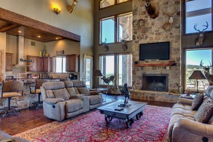 Venado-Springs-Guest-Retreat-Event-Hunting-Lodge-Texas-075