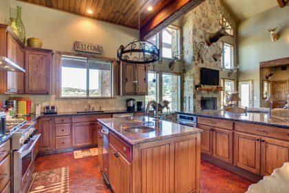 Venado-Springs-Guest-Retreat-Event-Hunting-Lodge-Texas-089